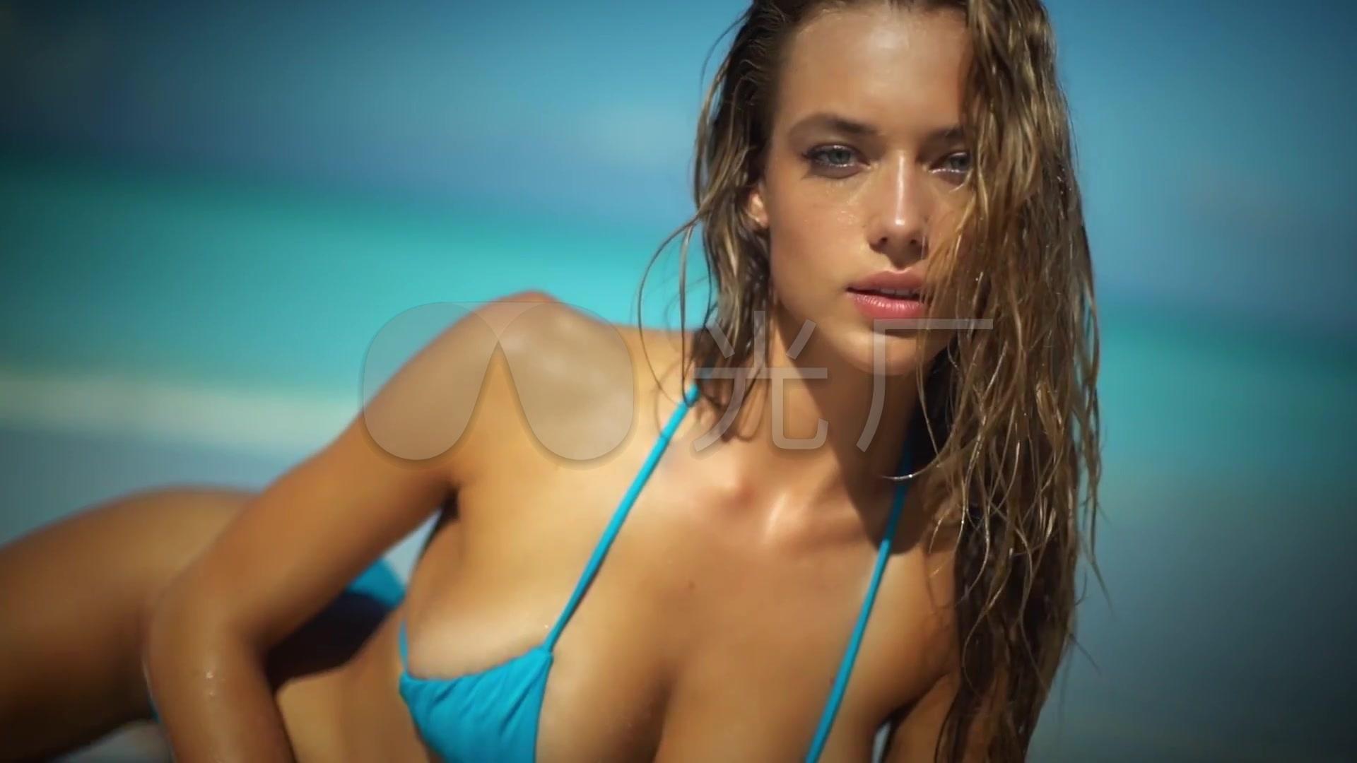 金发比基尼美女沙滩写真_1920x1080_高清视频素材下载