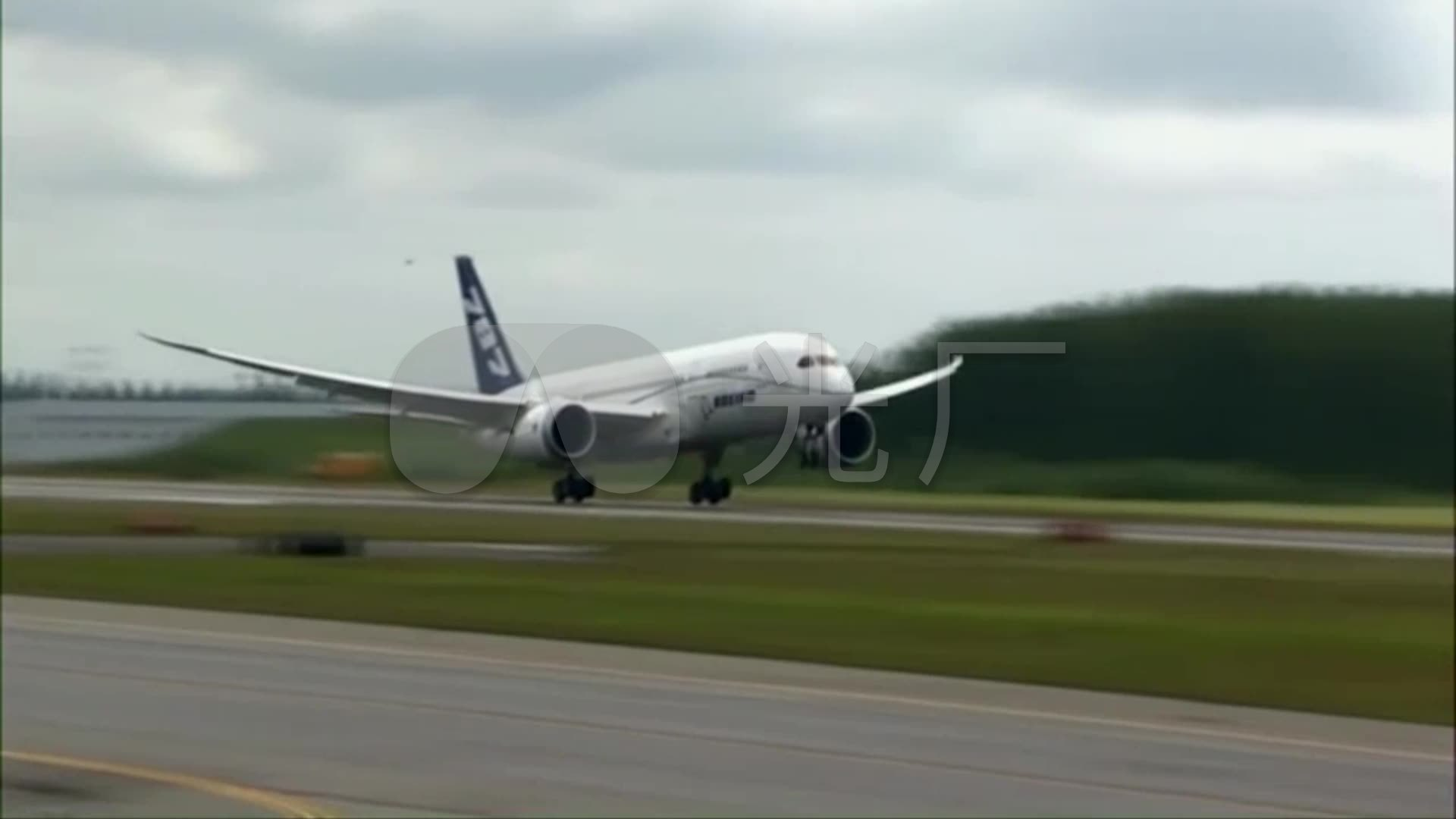 波音787视频图解跑道_民航飞机机场客机_192起飞佛教图片