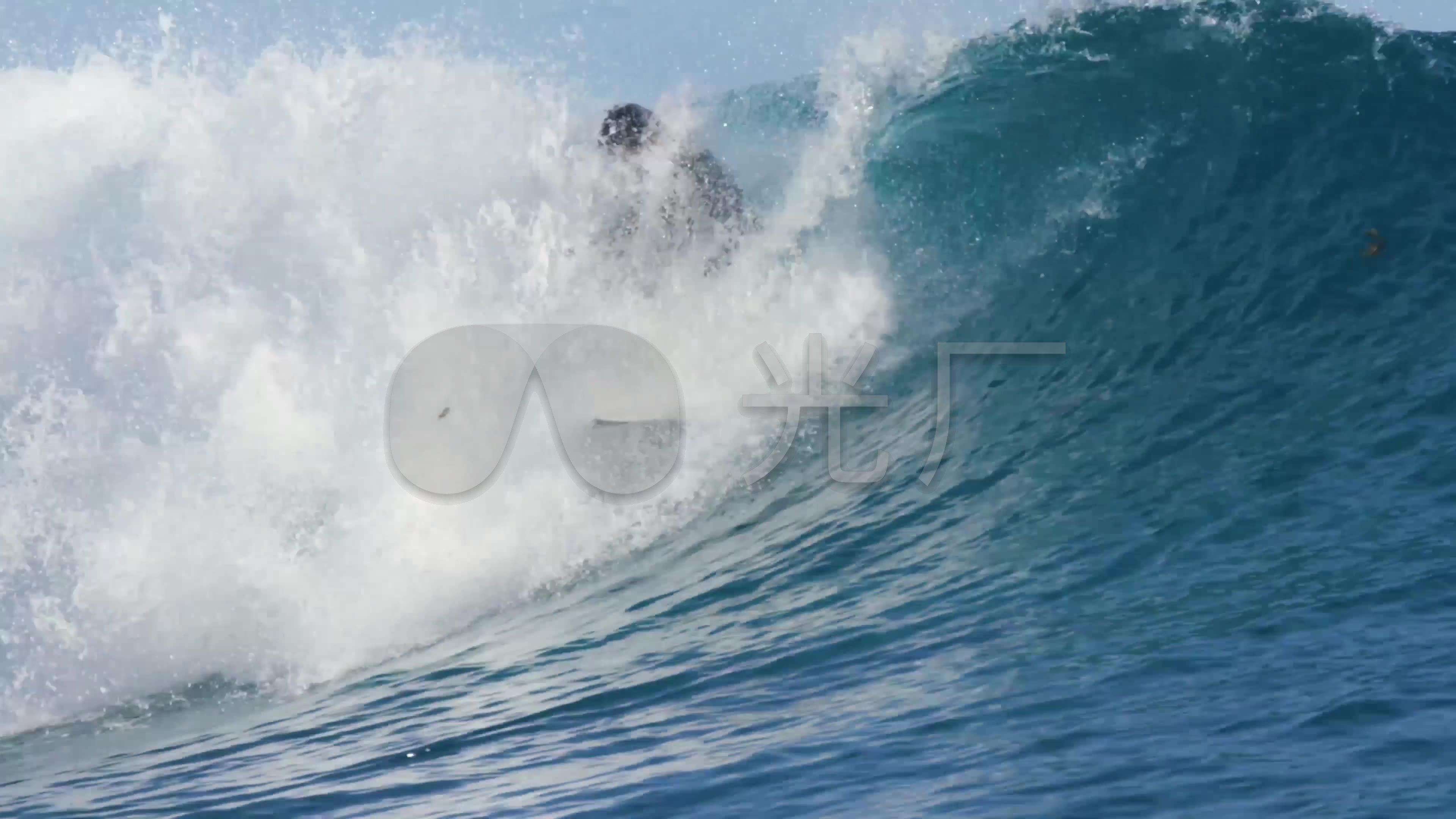 v高清高清山地滑板冲浪4K_3840X2160_视频视臂摩托麒麟图片