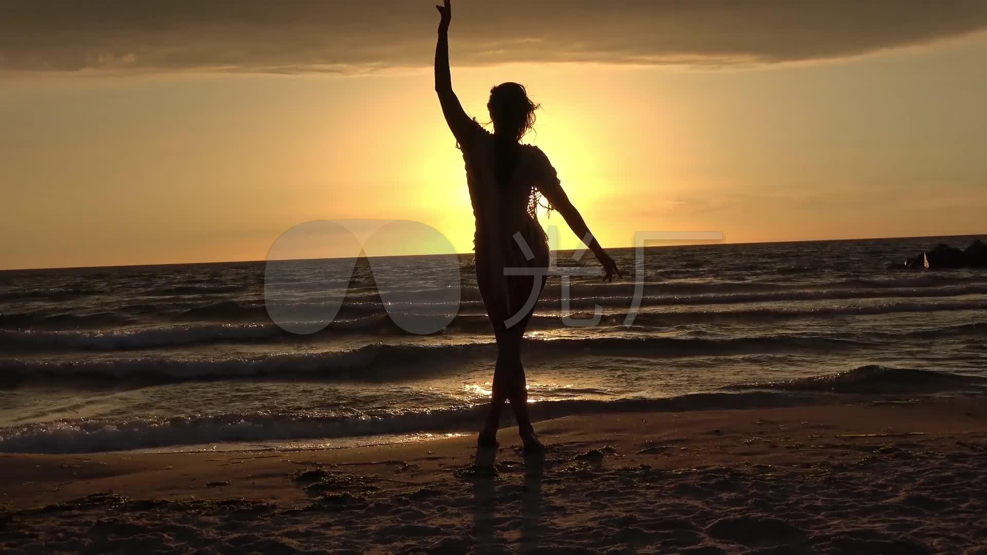 黄昏板书下海边唯美背影草原落日_1920X108舞蹈美女v板书教案图片