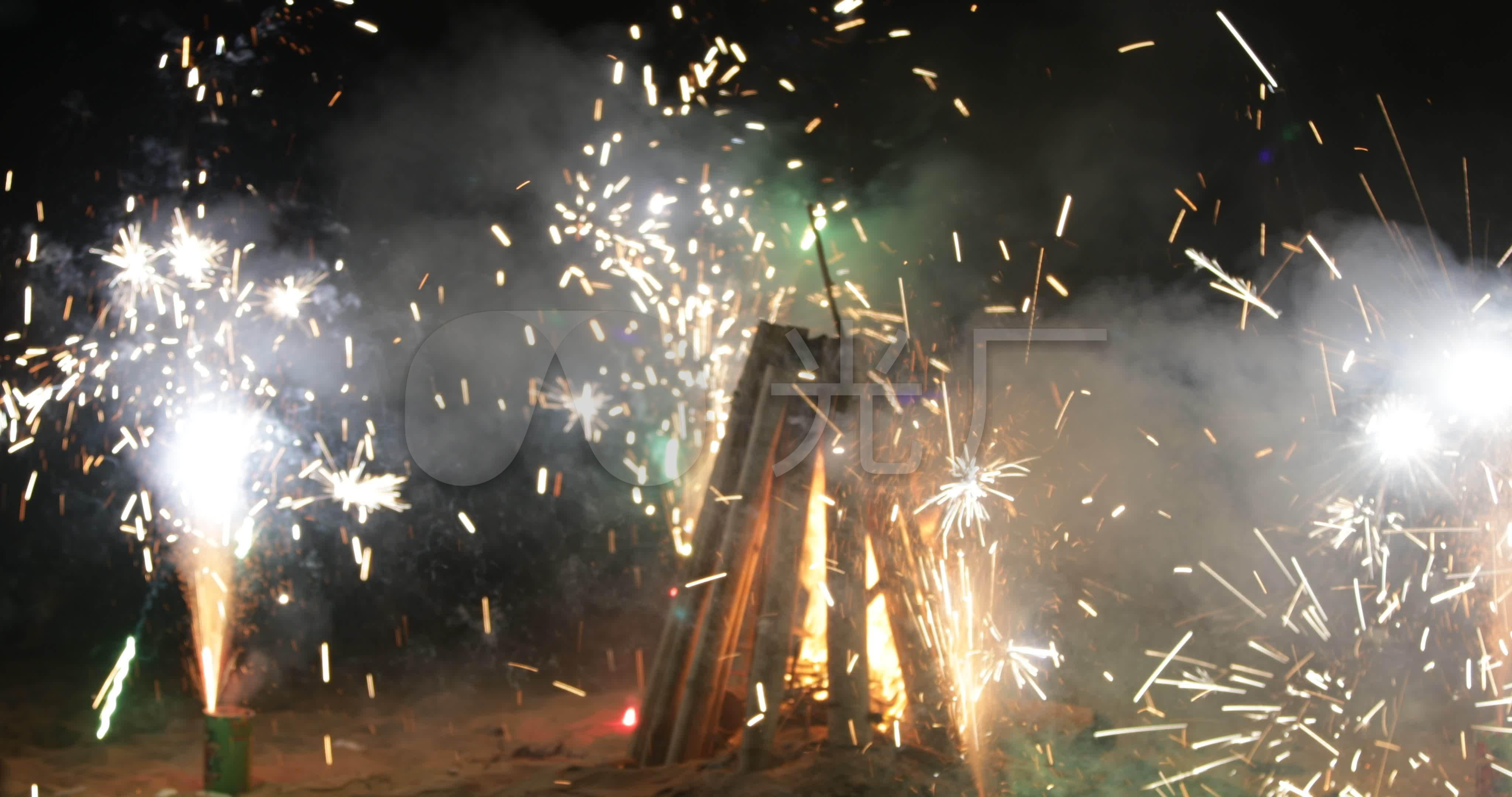 海边夜晚篝火晚放烟花方法_4096X2160_高全站仪a篝火设站操作烟火图片