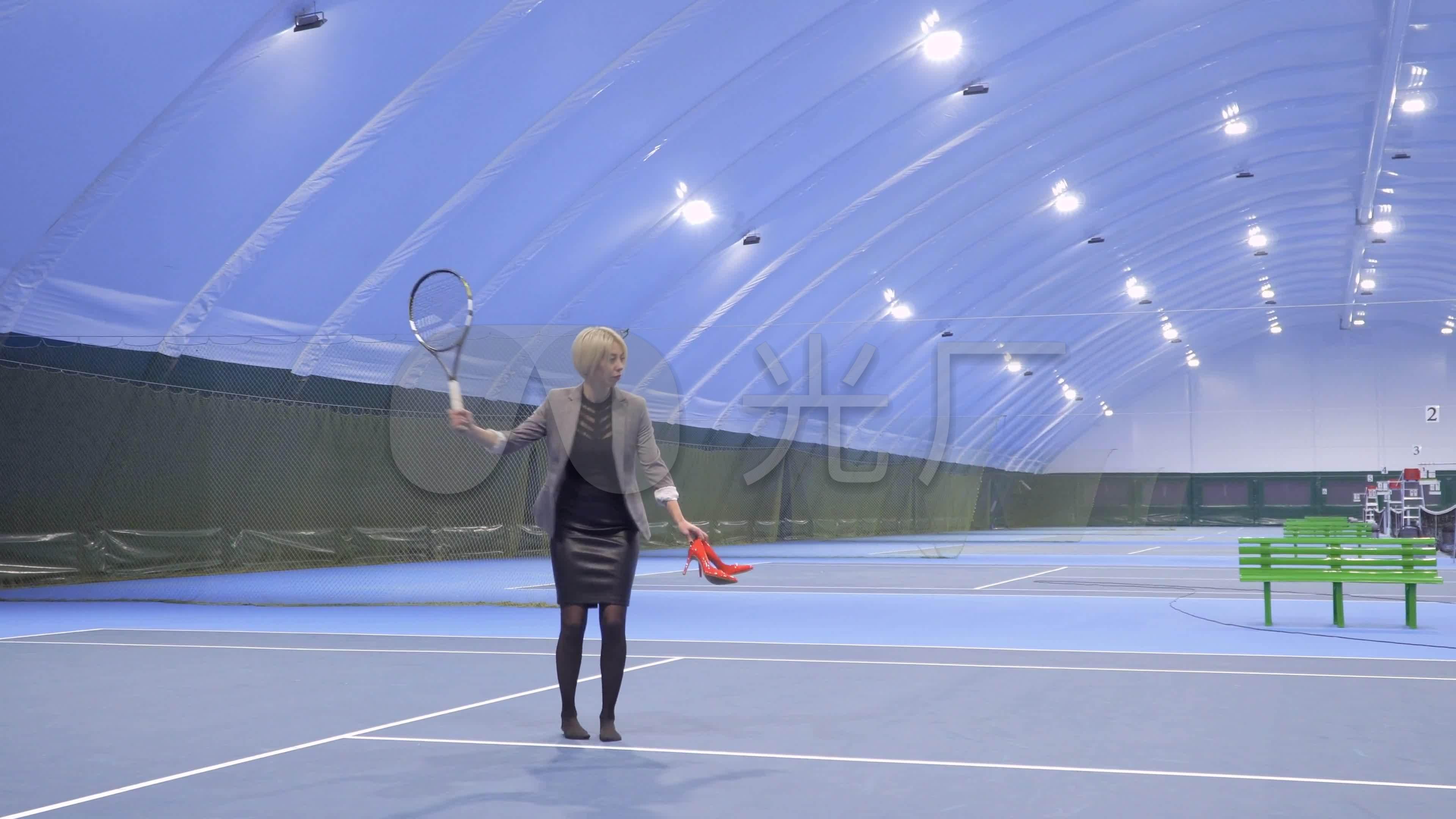 打网球运动装备v网球体育网球_3840X2160_高摩托车4L图片
