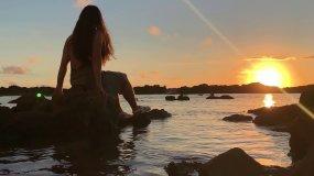 唯美海边夕阳,海边美女,沙滩美女视频素材