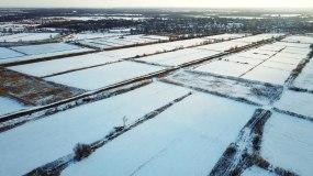 航拍雪景,汽车火车行驶,天路农村视频素材