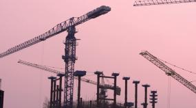 城市建筑工地塔吊施工视频素材