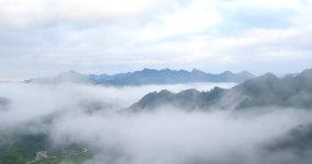 4k航拍武陵山脈森林村莊云海日落視頻素材