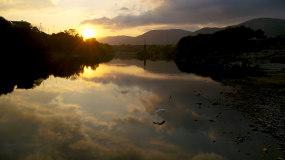 最美夕阳湖泊倒影天空之境4k视频素材