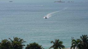 8K延时—海南三亚亚龙湾海岸线热带风光视频素材