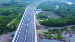 航拍桂林龙门大桥漓江公路视频素材