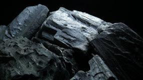 4k木炭特写旋转展示_能源燃料视频素材1视频素材