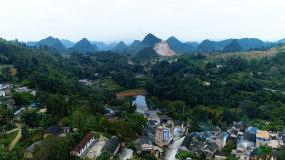 大山森林环绕的农村4k航拍视频素材