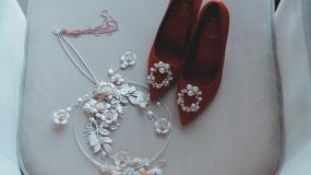 婚鞋加饰品2视频素材