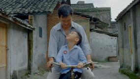 4K【A】回忆小时候父亲和儿子视频素材