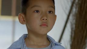 4K【B】父亲出门打工,儿子留守视频素材