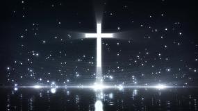 蓝色唯美水面光斑闪烁十字架发光视频素材