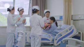 给患者送花患者出院护士关爱患者【原创】视频素材包