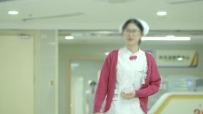 护士送别患者患者出院视频素材包