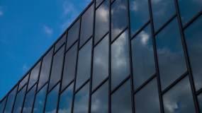 玻璃反射云延时视频素材