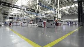 工厂环境实拍volvo智能科技发动机视频素材