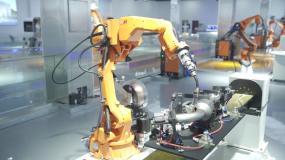 机械手臂工业机器人工作自动化视频素材