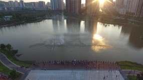 重庆大足香国公园夕阳喷泉视频素材