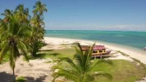 航拍夏日海滩风光碧蓝的海水和天空视频素材