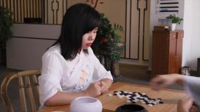 清雅女子下围棋视频素材