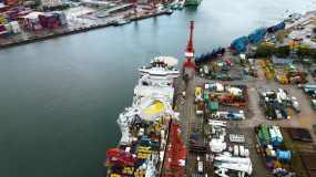 蛇口蛇口邮轮中心货运码头贸易视频素材
