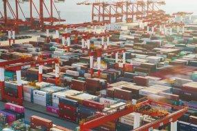 6K延时-洋山深水港全自动集装箱码头视频素材