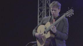 弹吉他,小型乐队视频素材