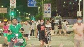 深圳夜景人文生活过马路视频素材