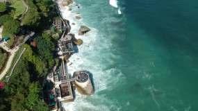 航拍巴厘岛悬崖餐厅海边约会视频素材