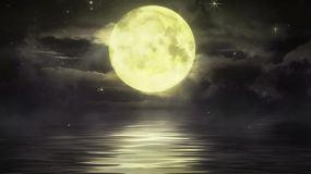 唯美海面月亮视频素材