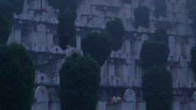 4K清晨大雾中的麻栗坡烈士陵园视频素材