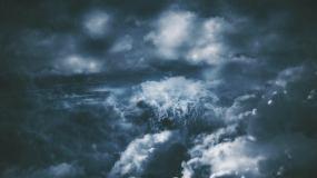 4K-天空乌云密布电闪雷鸣视频素材