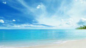 大海蓝天白云沙滩夏日海边视频素材