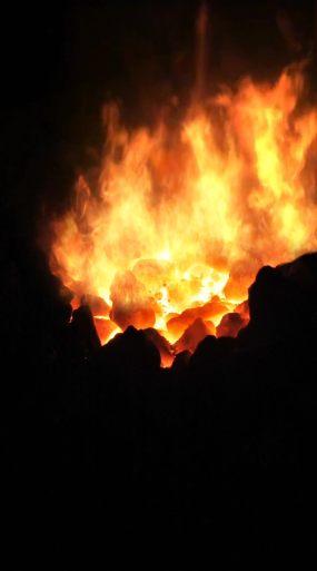 竖版-火焰火堆场景视频素材