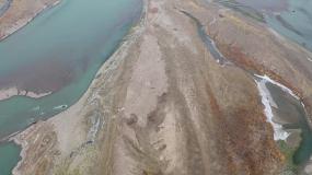 航拍风景河流山河新疆山秋空镜头生态环境视频素材