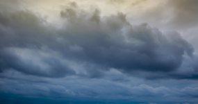 纯天空浓密乌云滚滚4K延时视频素材