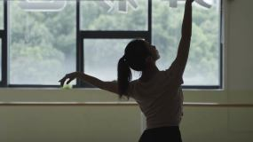 芭蕾舞蹈女孩梦想坚持跳舞训练视频素材