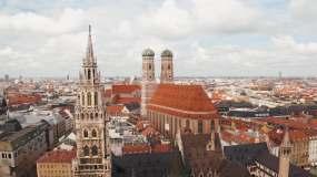 德国慕尼黑城市景观的鸟瞰图视频素材