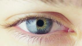 人眼的瞳孔收缩视频素材