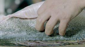 美食制作 案板上切新鲜海鱼视频素材