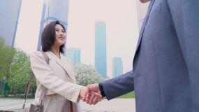商务人士握手视频素材