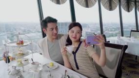 青年情侣在餐厅用餐视频素材