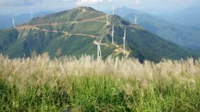 登山登高看风景视频素材