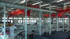 钢厂钢材仓库吊装车间视频素材
